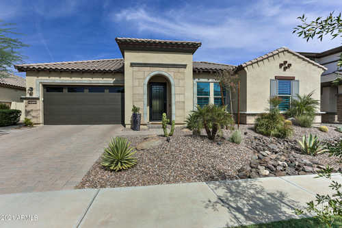 $920,000 - 3Br/3Ba - Home for Sale in Belmont Estates, Chandler