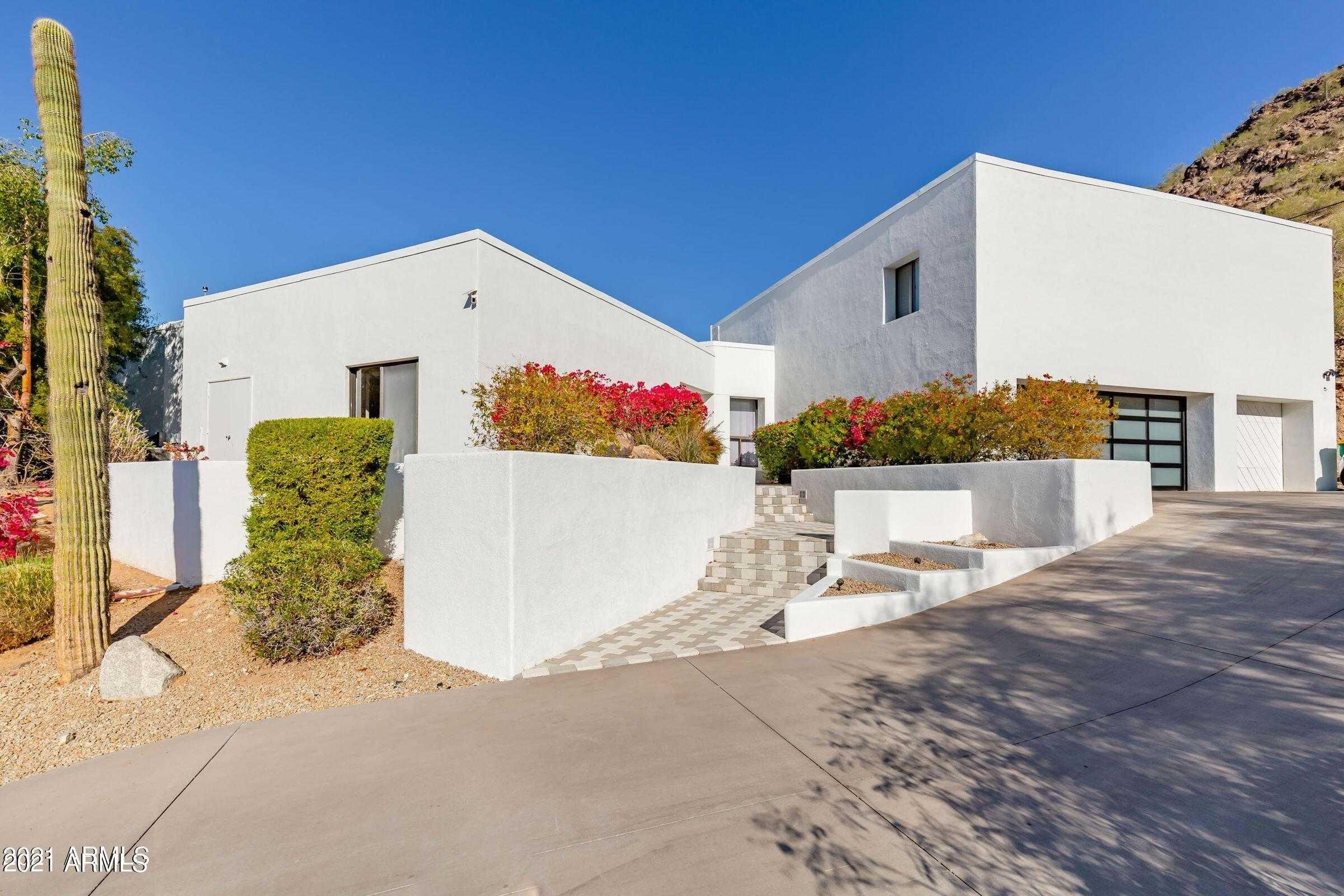 - 5Br/5Ba - Home for Sale in El Dorado Estates, Paradise Valley