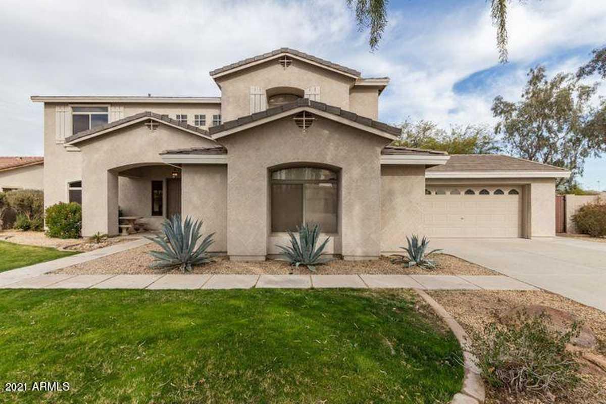 $666,000 - 5Br/3Ba - Home for Sale in Queenland Manor, Queen Creek