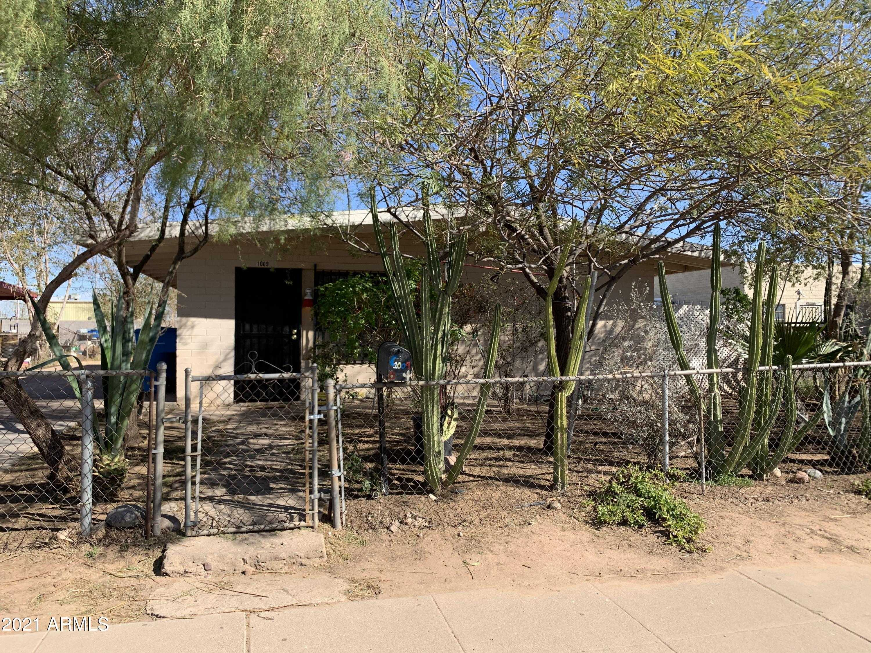 $224,995 - 3Br/1Ba - Home for Sale in Flossmore, Phoenix