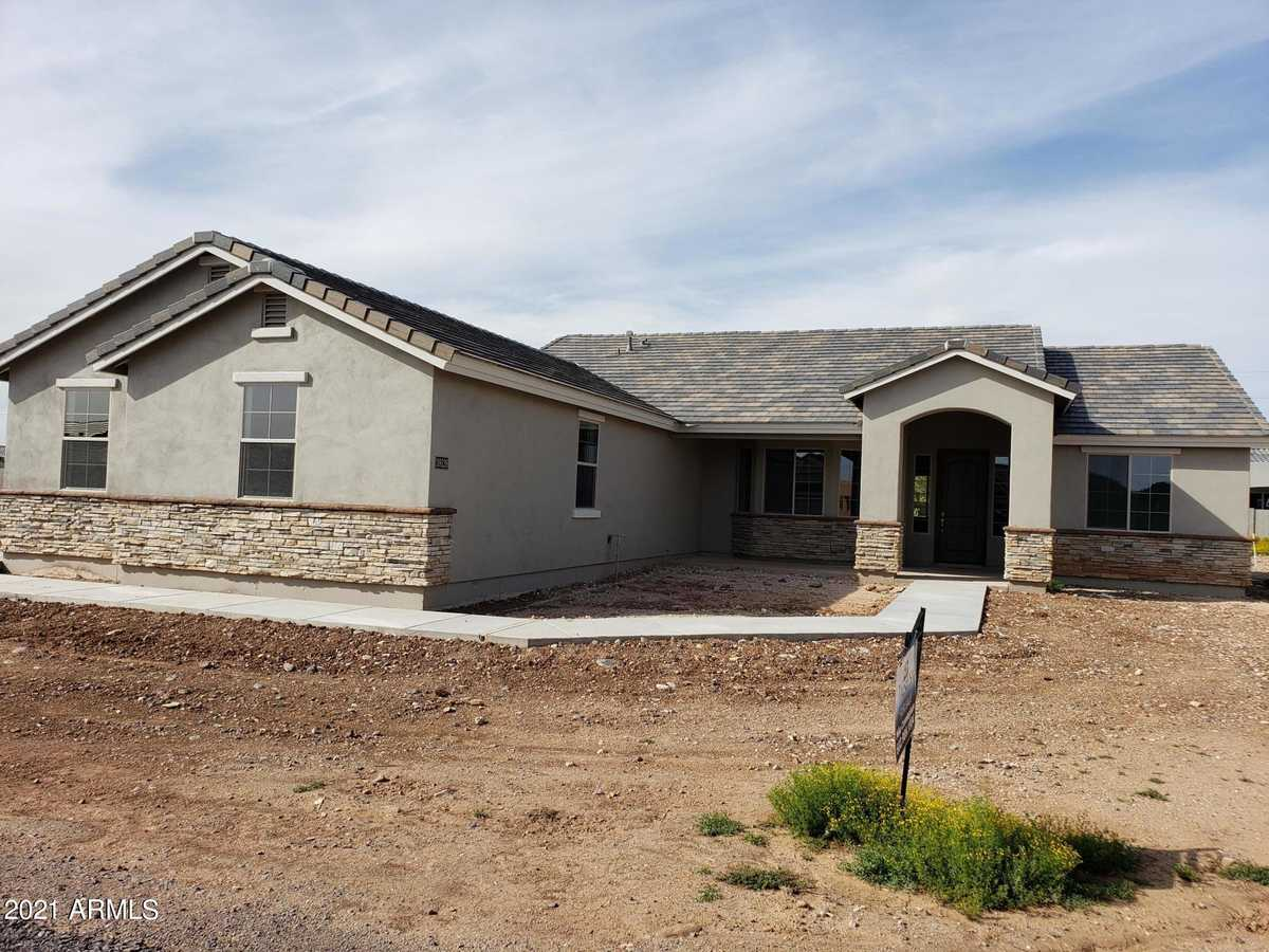 $759,900 - 4Br/3Ba - Home for Sale in Metes And Bounds, Queen Creek