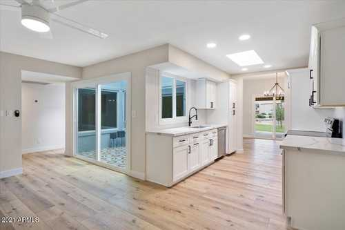 $379,900 - 2Br/2Ba -  for Sale in Ahwatukee Rd-1, Phoenix