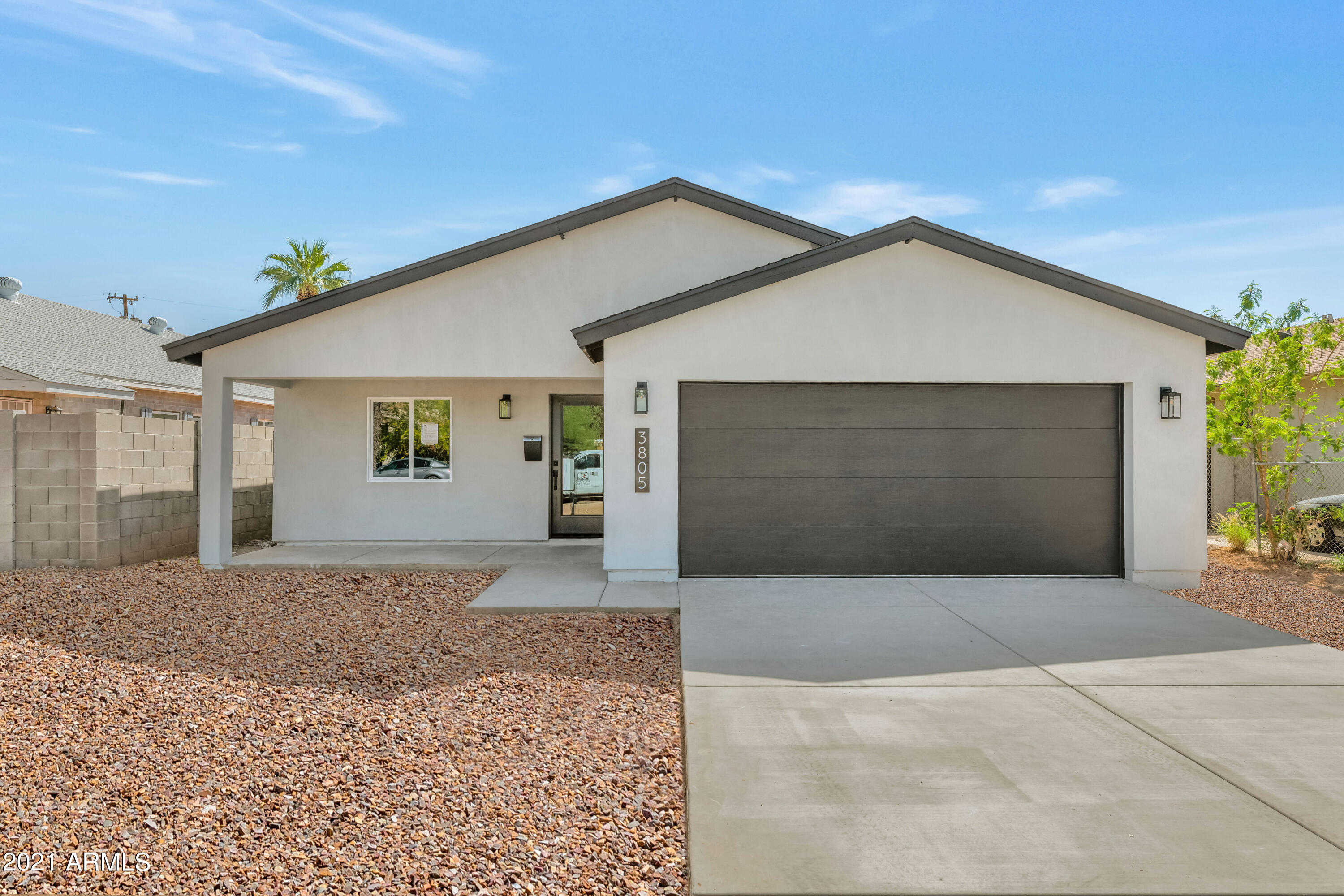 $625,000 - 3Br/3Ba - Home for Sale in Thomas Place, Phoenix