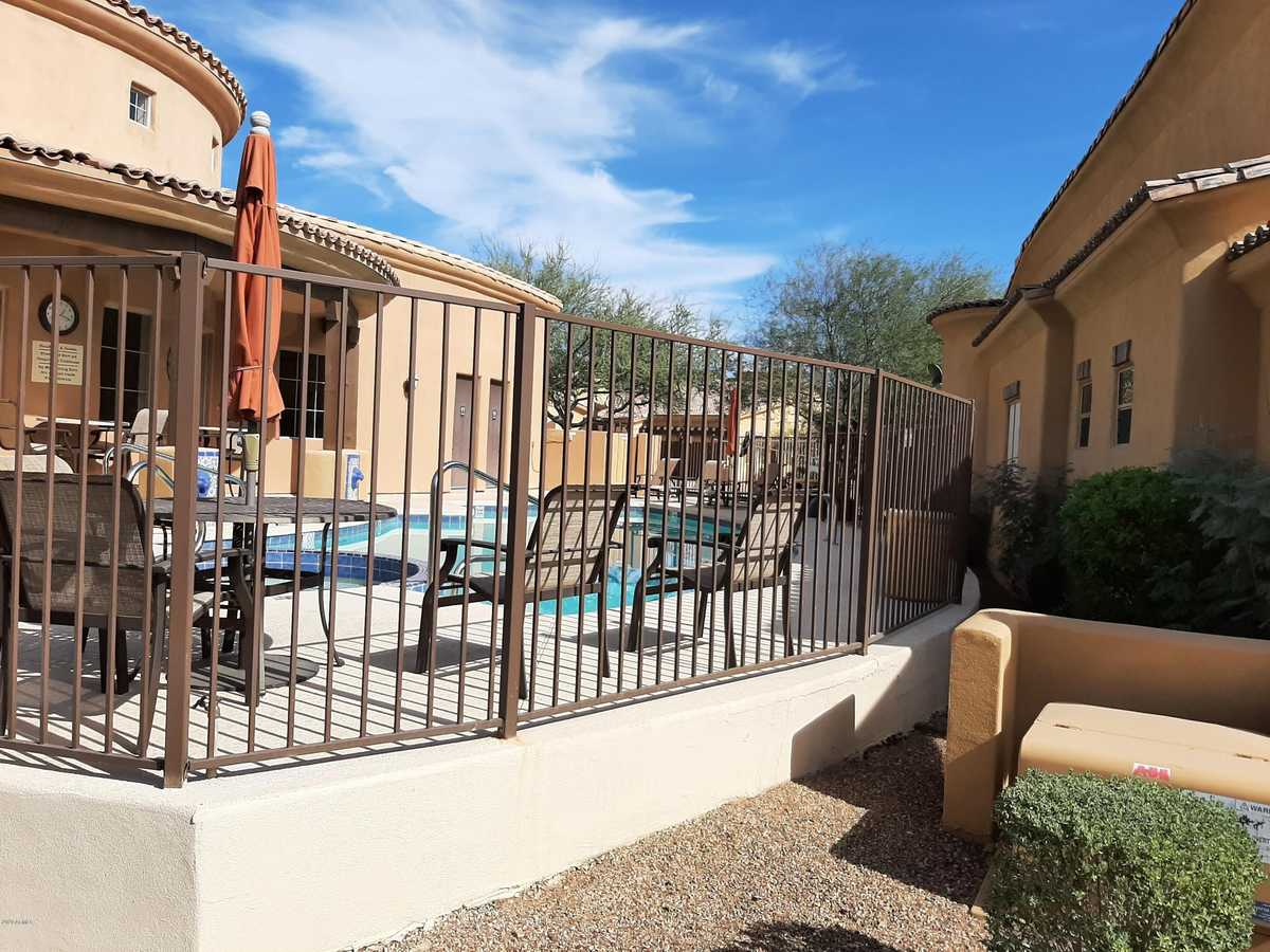 $399,000 - 3Br/3Ba -  for Sale in Toscano Villas, Gold Canyon