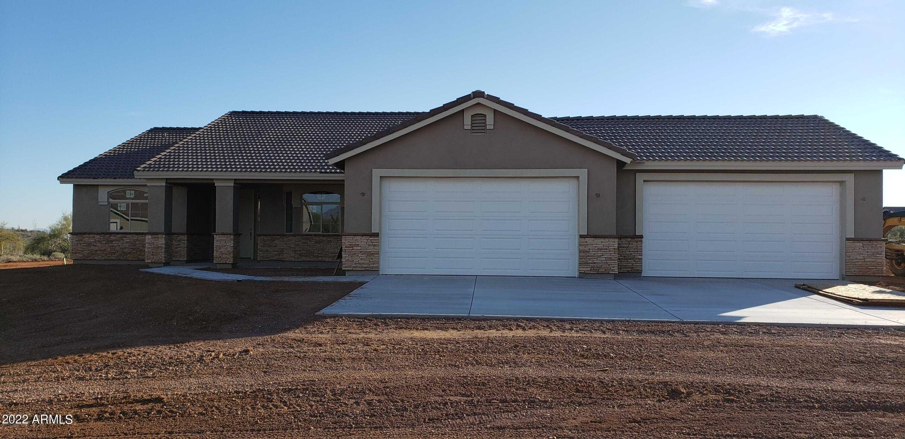 $643,900 - 4Br/2Ba - Home for Sale in Metes And Bounds, Scottsdale