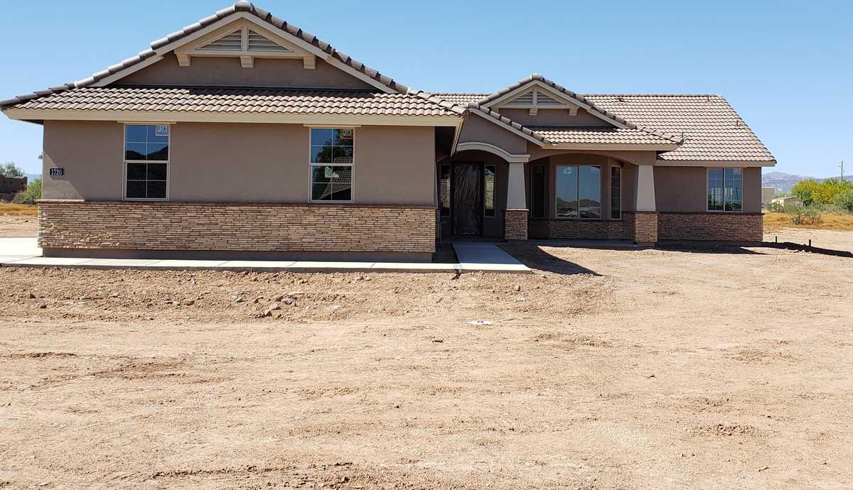 $679,900 - 4Br/2Ba - Home for Sale in Metes And Bounds, Queen Creek
