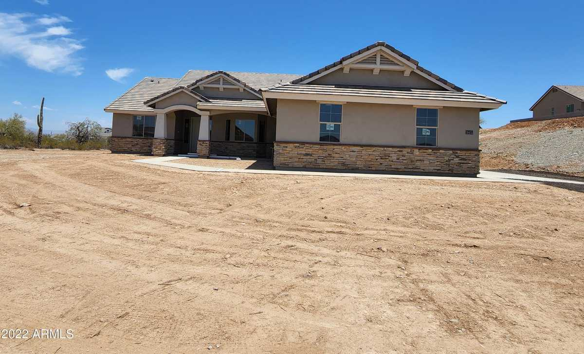 $639,900 - 4Br/2Ba - Home for Sale in Metes And Bounds, Queen Creek