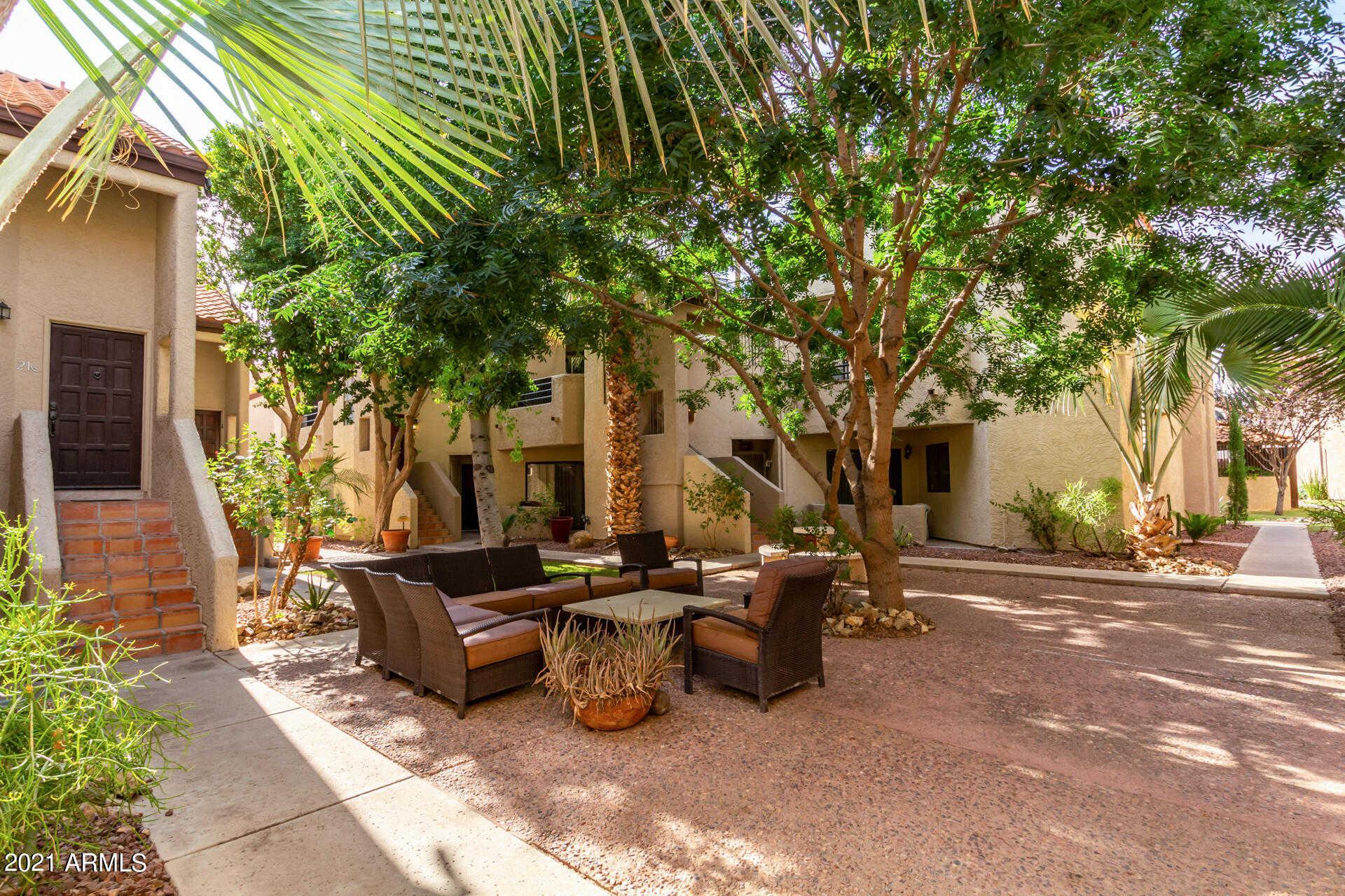$310,000 - 2Br/1Ba -  for Sale in Joshua Tree Condominiums, Paradise Valley