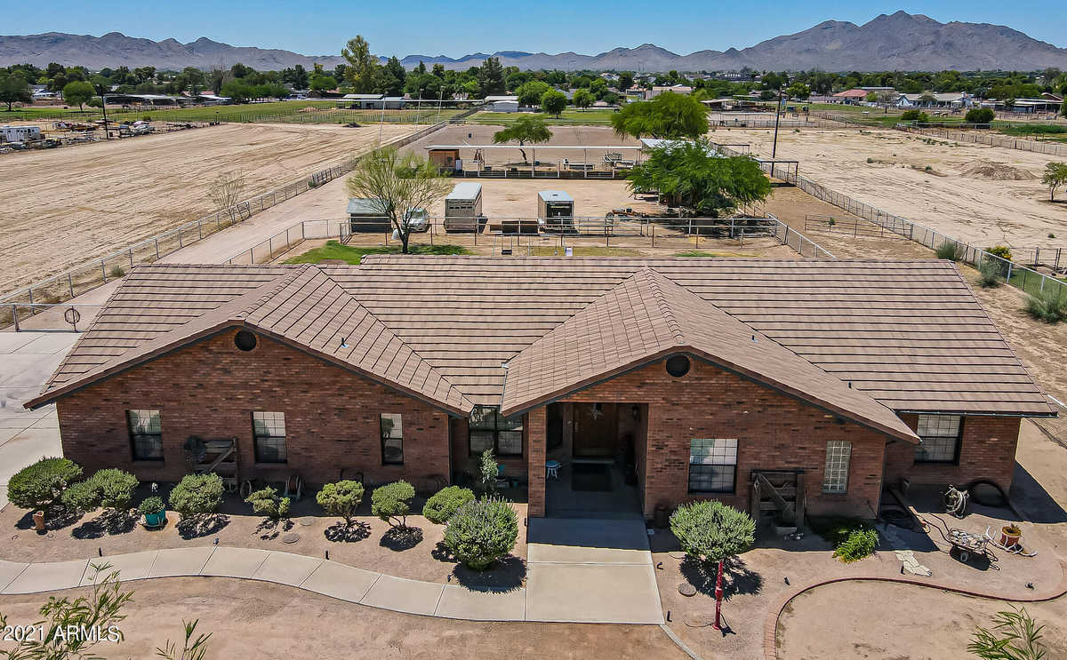 $999,900 - 4Br/3Ba - Home for Sale in Ranchos Jardines 2-b, Queen Creek
