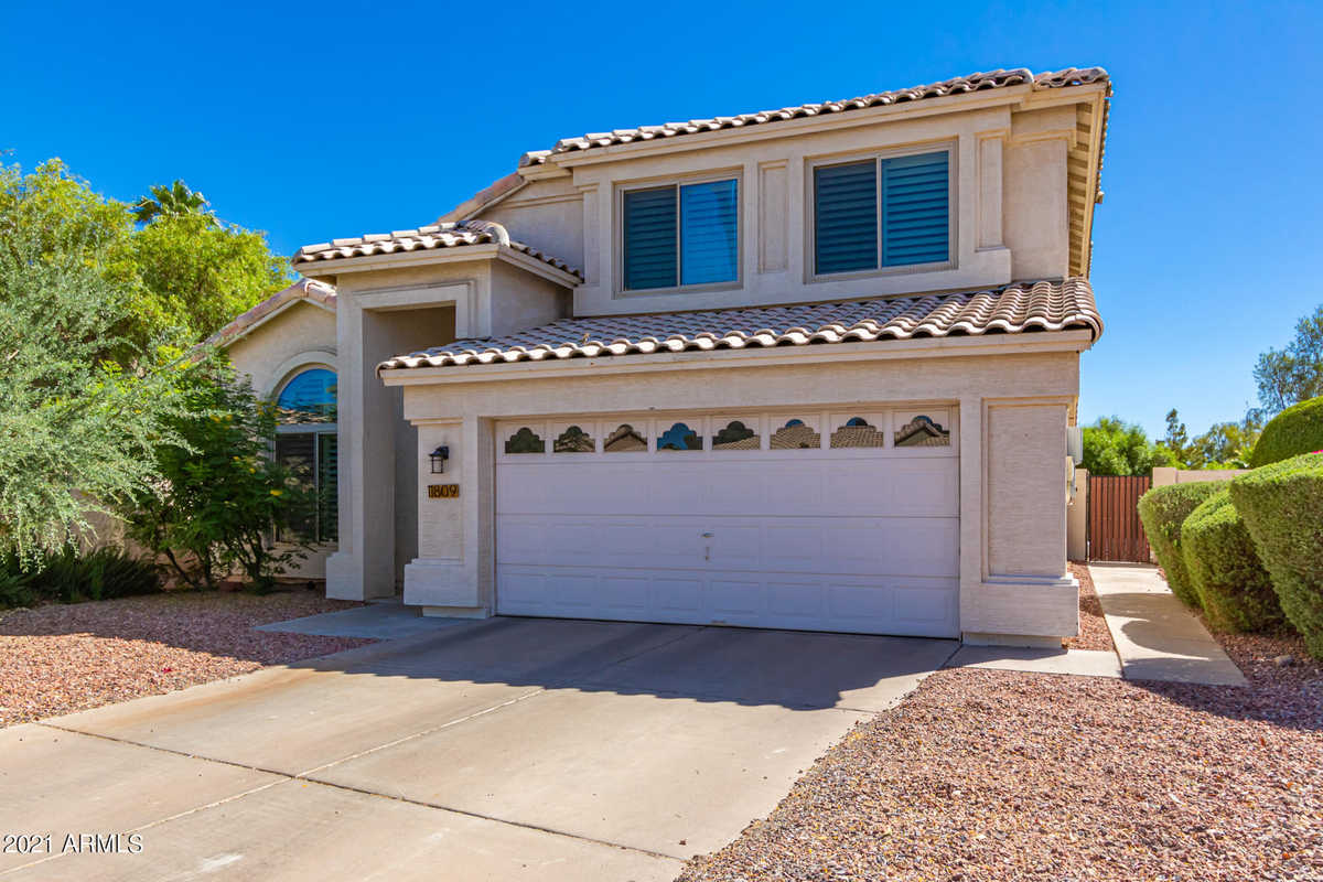 $550,000 - 4Br/3Ba - Home for Sale in Center Court At Ahwatukee, Phoenix