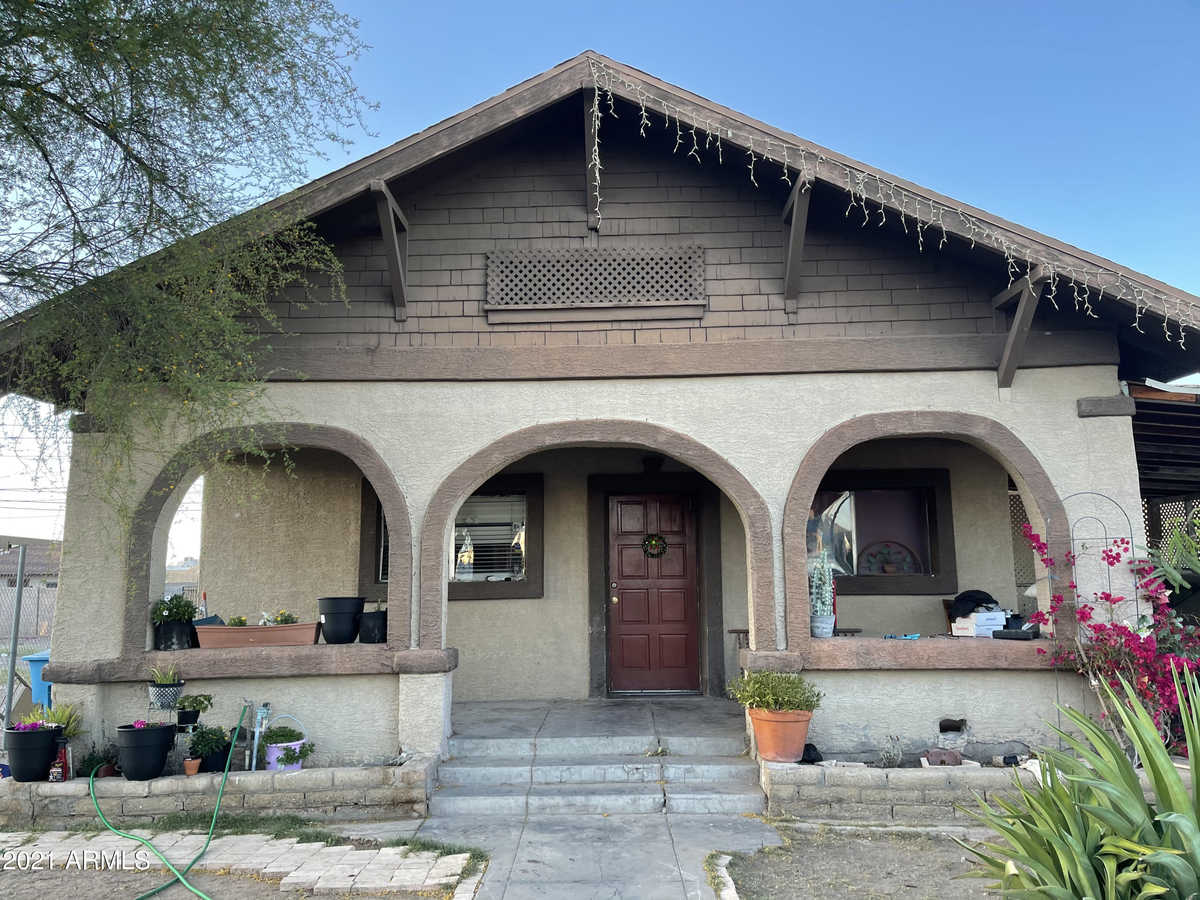 $328,500 - 4Br/3Ba - Home for Sale in Capitol Addition Blocks 13 & 19-22 & 27-28 Tract A, Phoenix