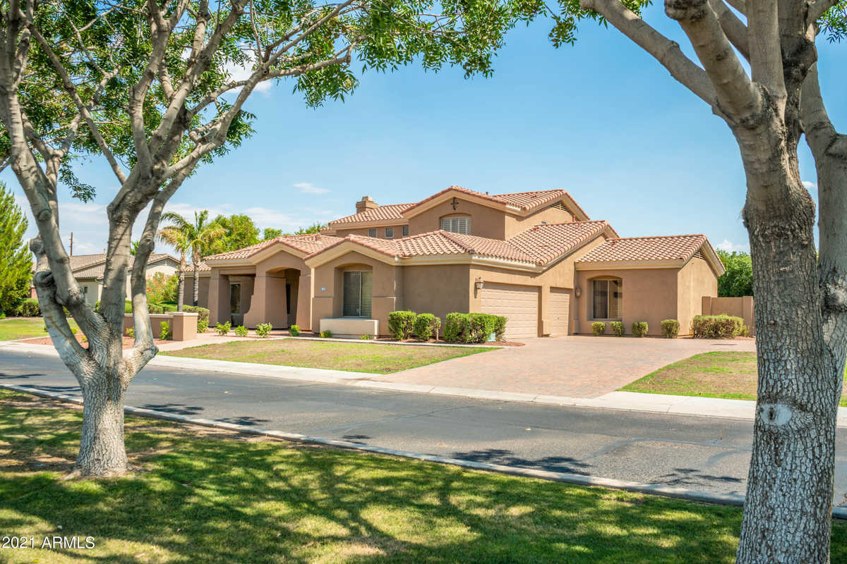 $965,000 - 5Br/4Ba - Home for Sale in Hermosa Groves North, Mesa