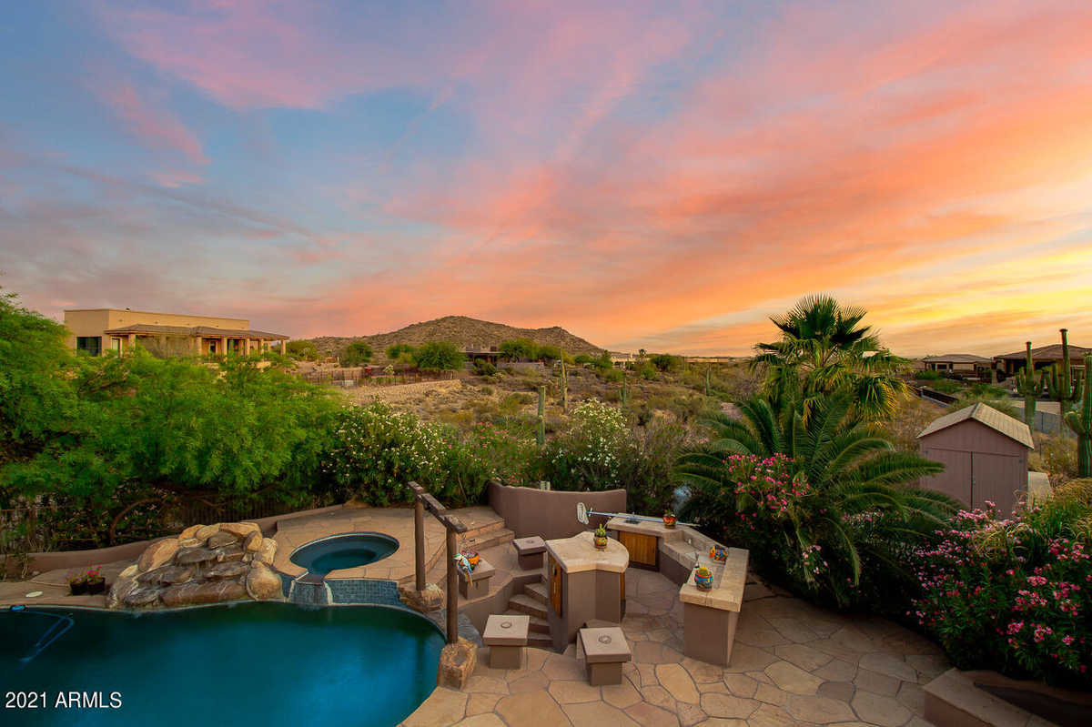 $1,499,000 - 5Br/5Ba - Home for Sale in S4 T1s R9e, Gold Canyon