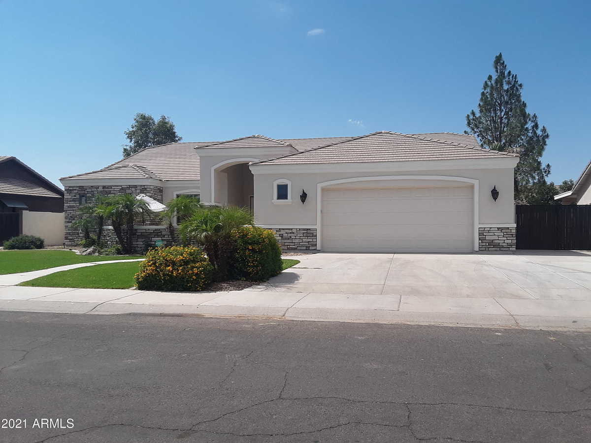 $669,900 - 4Br/3Ba - Home for Sale in Will Rogers Equestrian Ranch Unit 2, Queen Creek