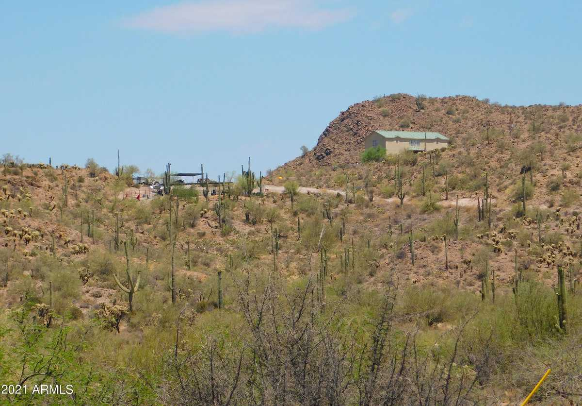 $1,000,000 - 3Br/4Ba - Home for Sale in S24 T1s R10e, Queen Valley