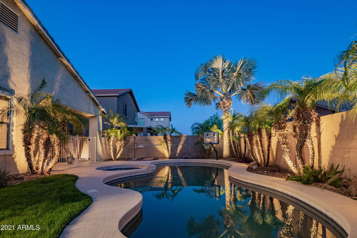 $427,000 - 3Br/2Ba - Home for Sale in Village At San Tan Heights, Queen Creek