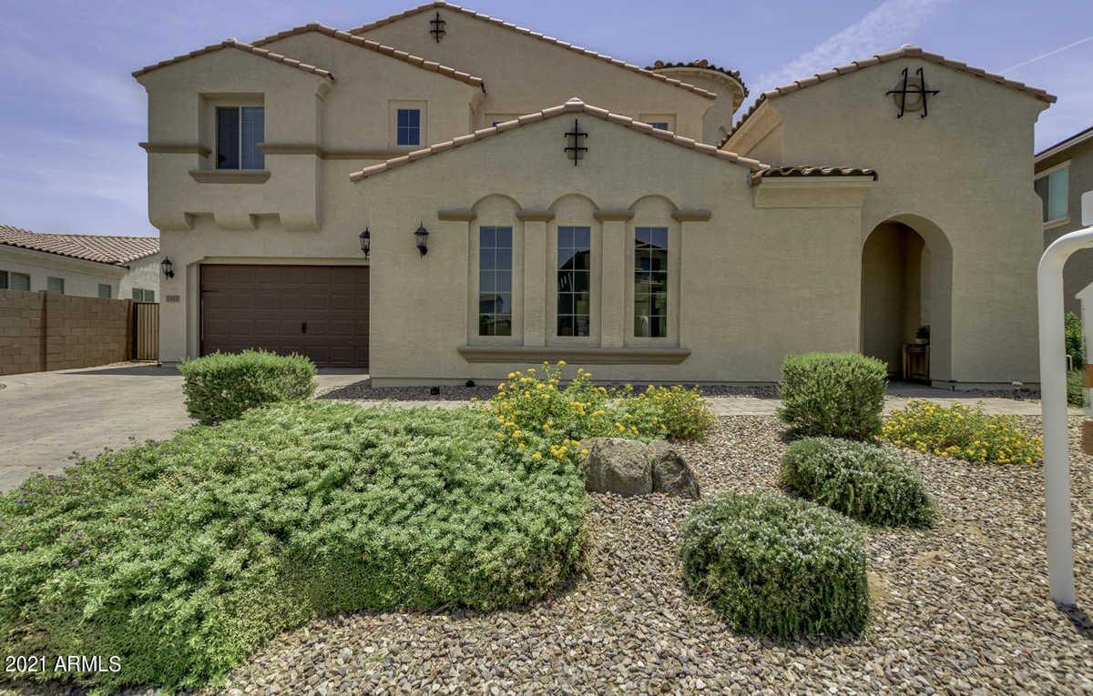 $800,000 - 5Br/4Ba - Home for Sale in Adora Trails Parcel 13, Gilbert