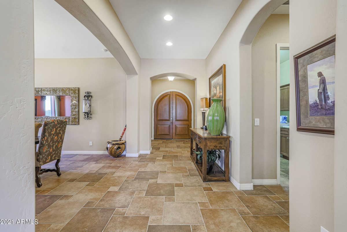 $599,900 - 4Br/3Ba - Home for Sale in Entrada Del Oro Unit 1, Gold Canyon