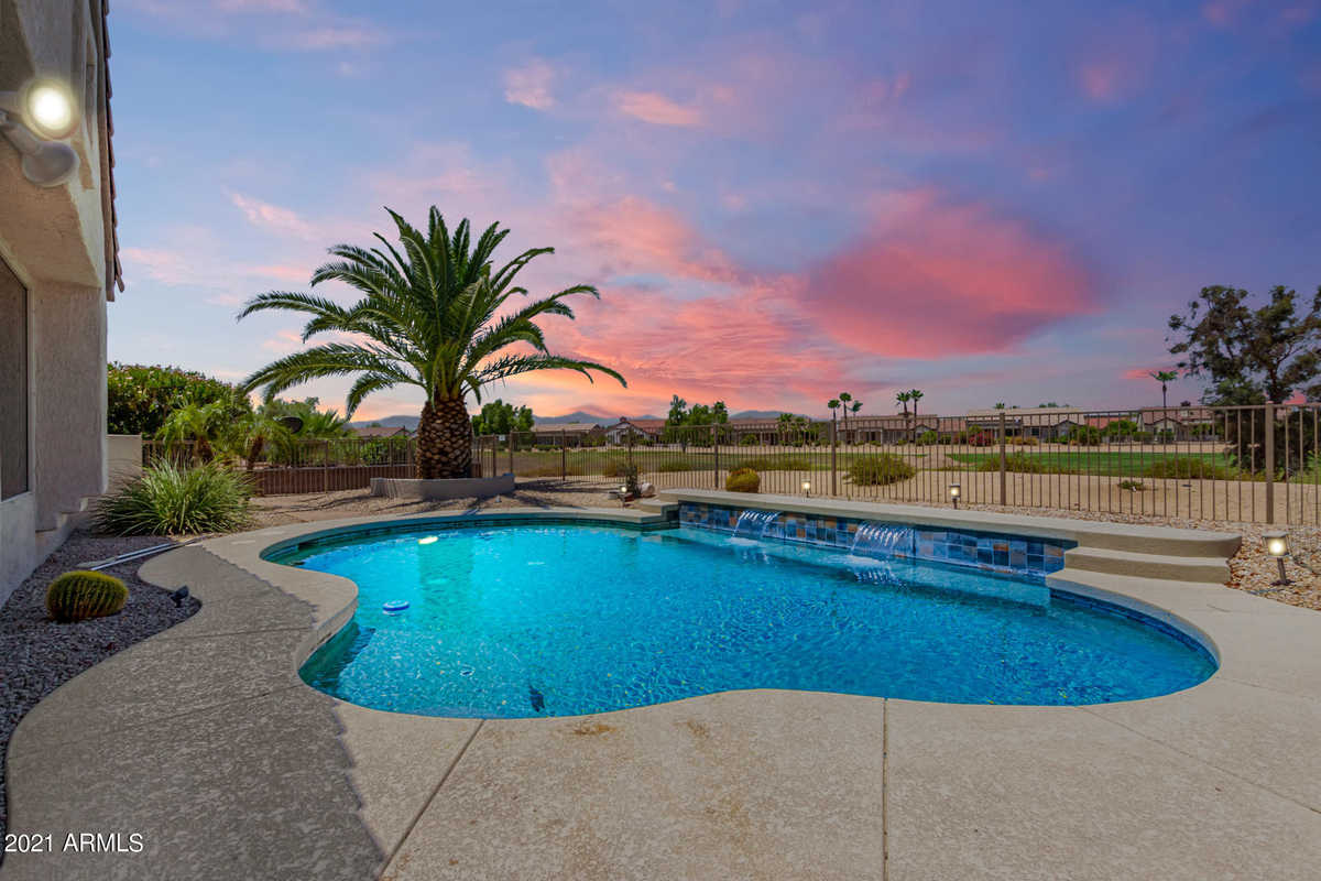 $650,000 - 3Br/2Ba - Home for Sale in Sun City Grand - Desert Vista 1 And 2, Surprise