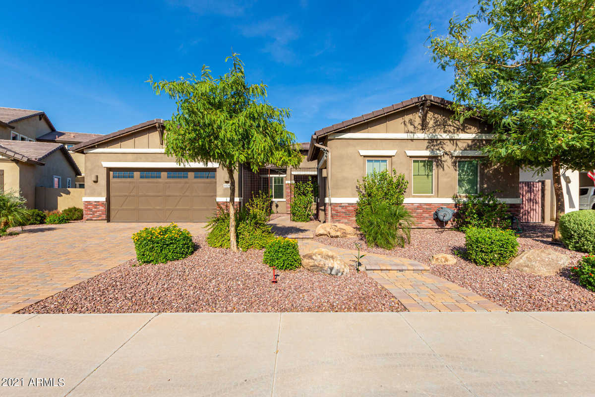 $838,000 - 5Br/3Ba - Home for Sale in Layton Lakes Phase 2 Gilbert Parcel 12, Gilbert