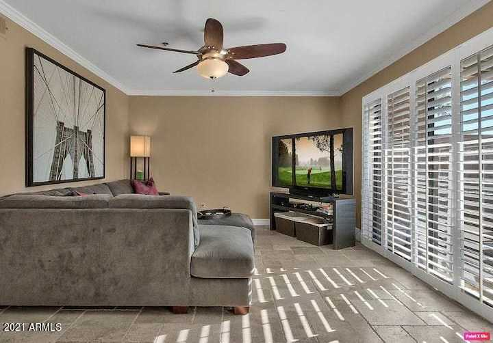 - 2Br/1Ba -  for Sale in Sunrise Phase 1 Condominium, Scottsdale