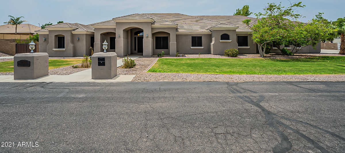 $1,650,000 - 6Br/6Ba - Home for Sale in No Hoa, Gilbert