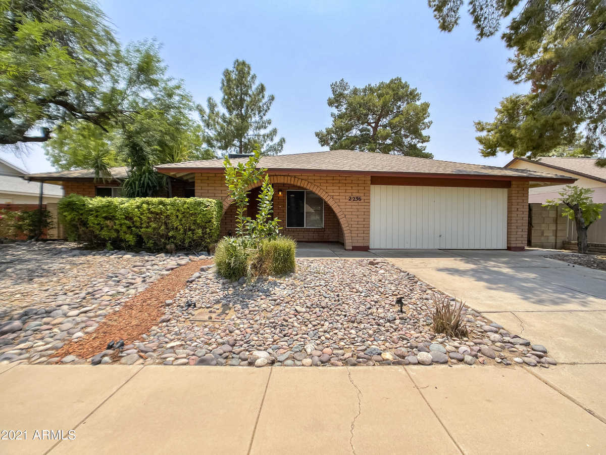 $399,900 - 3Br/2Ba - Home for Sale in Dobson Ranch Unit 3, Mesa