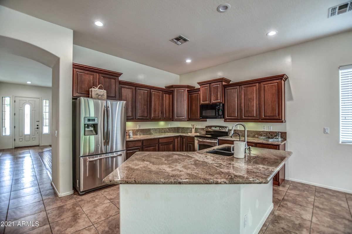 $450,000 - 4Br/2Ba - Home for Sale in Entrada Del Oro Unit 1, Gold Canyon