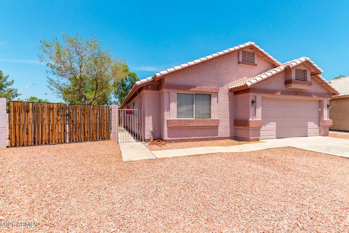 $365,000 - 4Br/2Ba - Home for Sale in West Plaza 29 & 30 Lots 263-343 And Tracts A-c, Glendale