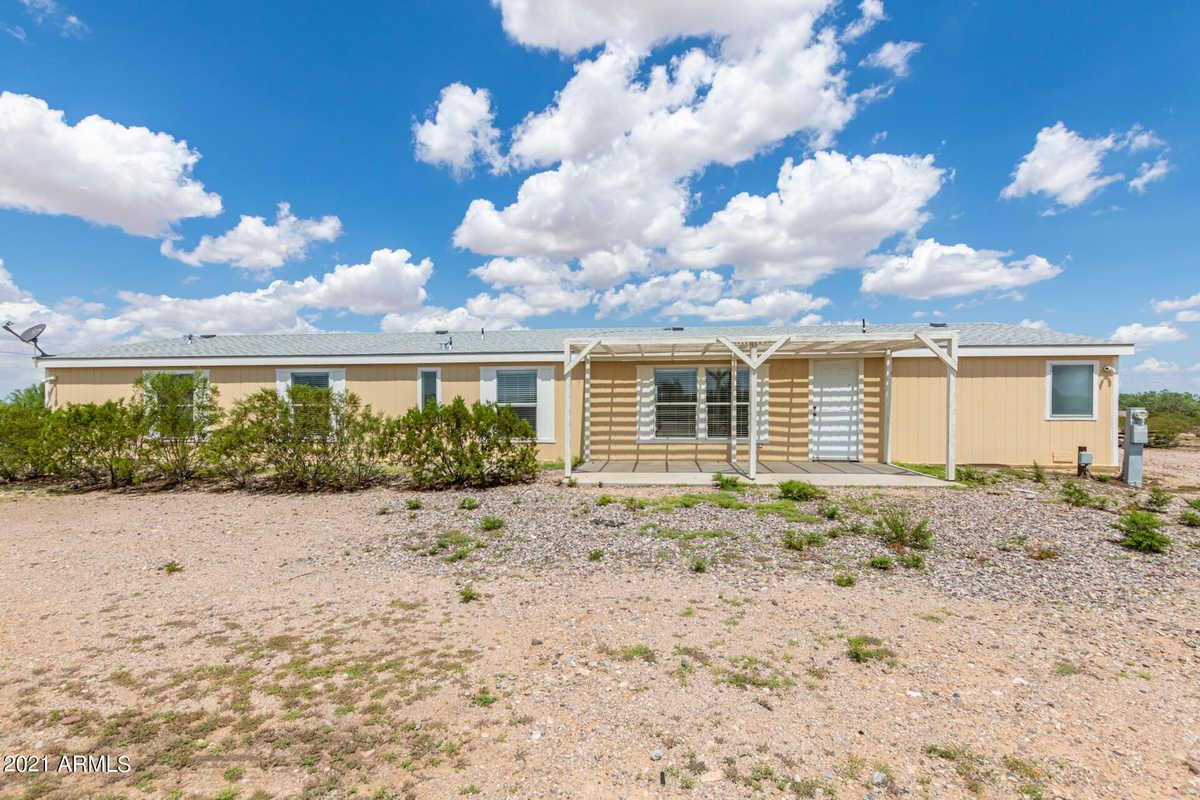 $295,000 - 4Br/2Ba -  for Sale in Hidden Valley Estates Unit No 5, Maricopa