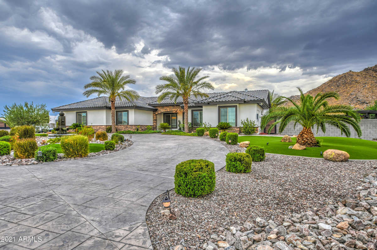 $1,299,000 - 5Br/3Ba - Home for Sale in Commencing At The Center Of Sec 04-03s-07e, Thence, Queen Creek