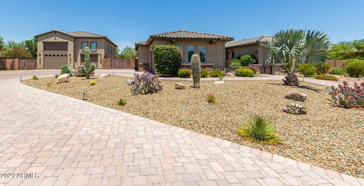 $1,377,700 - 3Br/4Ba - Home for Sale in Caballos Del Rio, Peoria