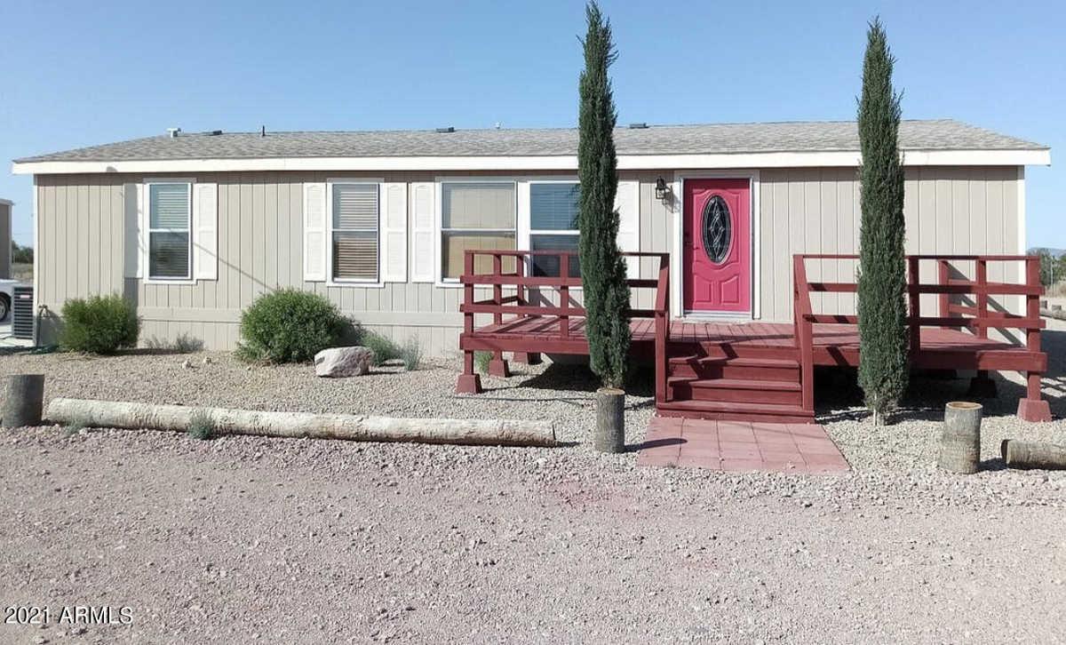 $577,500 - 3Br/2Ba -  for Sale in Horseshoe Trails Amd, Tonopah