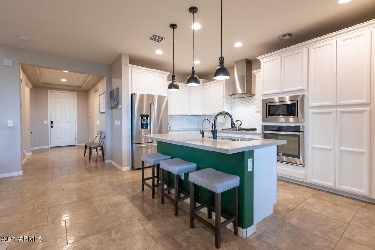 $599,000 - 4Br/3Ba - Home for Sale in Tierra Del Rio Parcel 1 Replat, Peoria