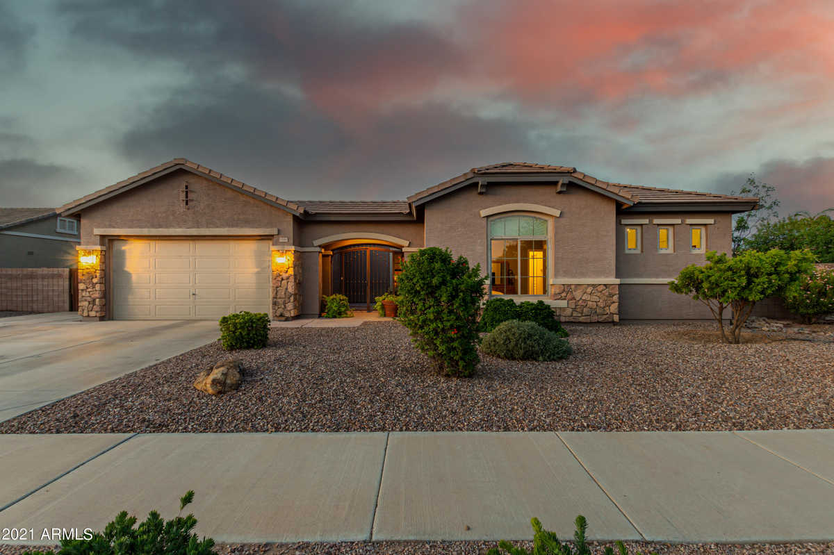 $819,000 - 6Br/4Ba - Home for Sale in Cortina Parcel 10, Queen Creek