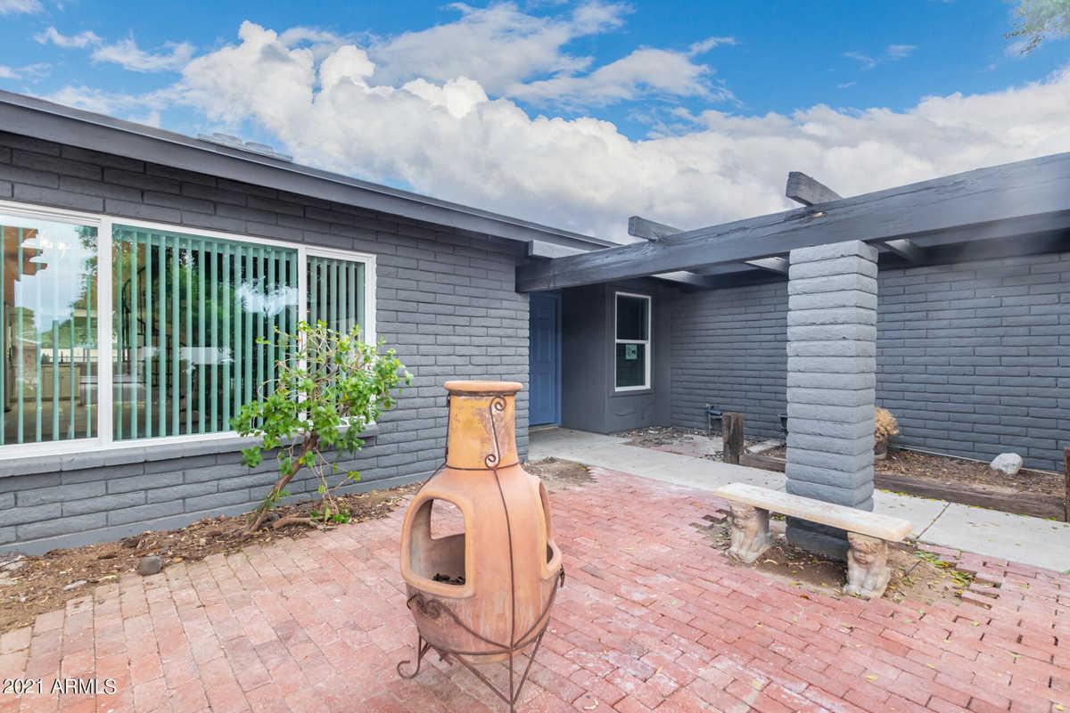 $464,900 - 4Br/2Ba - Home for Sale in Golden Palms Estates 5 Unit 3, Glendale