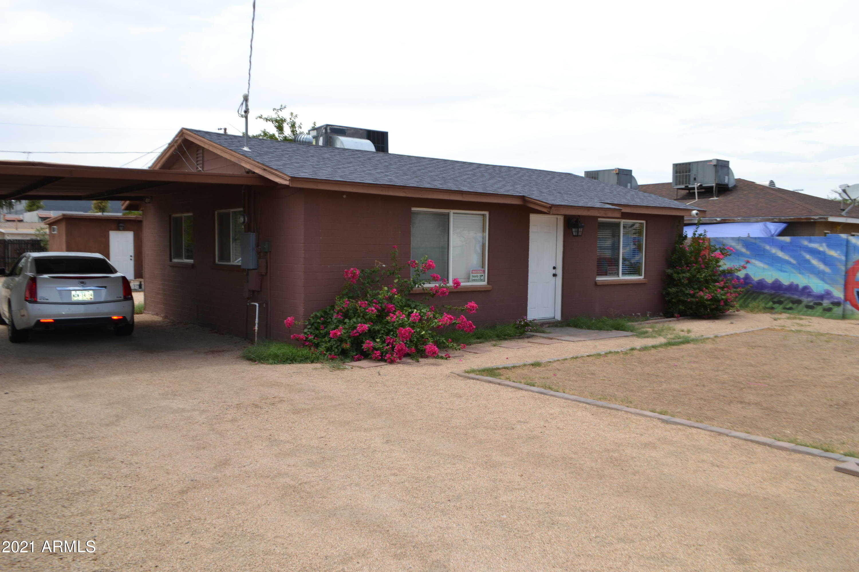 $300,000 - 3Br/2Ba - Home for Sale in Nicely Place, Phoenix