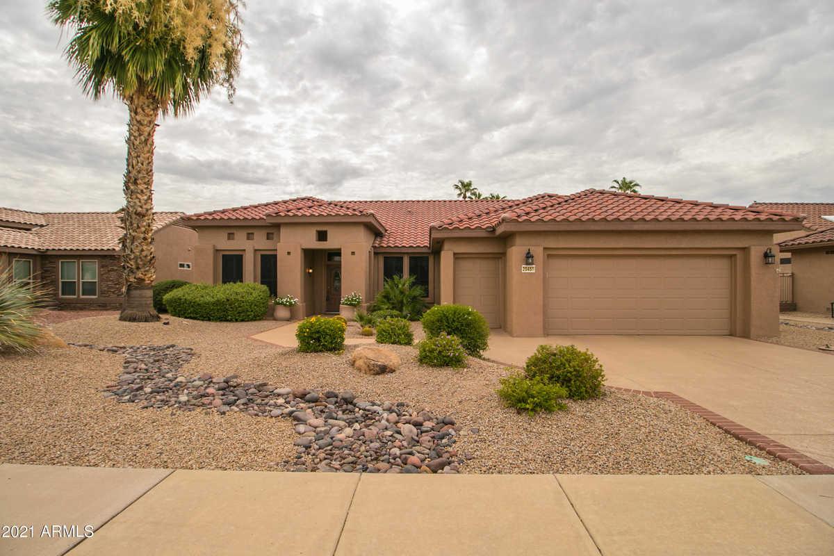 $634,875 - 2Br/3Ba - Home for Sale in Sun City Grand Desert Sage, Surprise