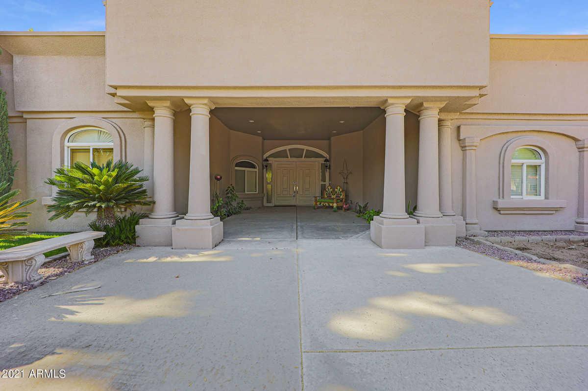 $1,050,000 - 3Br/3Ba - Home for Sale in Corona Del Sol Estates, Tempe