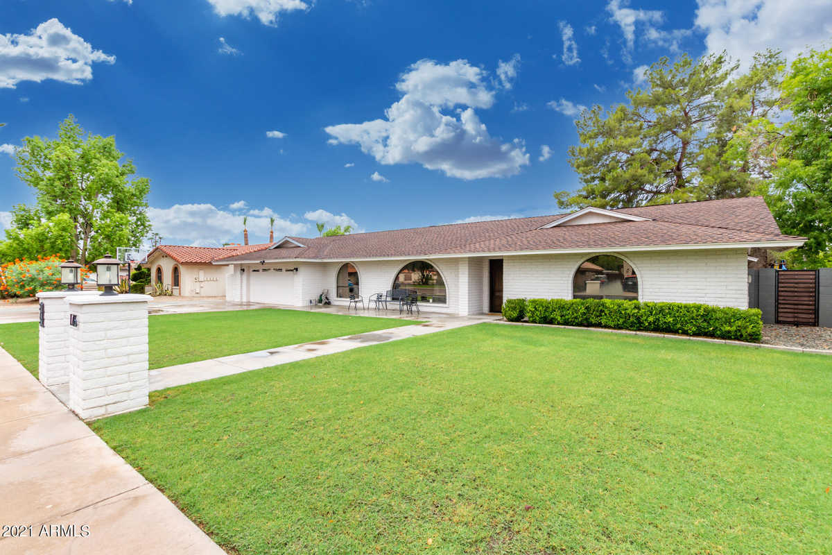 $699,900 - 5Br/4Ba - Home for Sale in Hy-den Place Unit 4 Lot 67-70 91-94 117-128 154155, Mesa