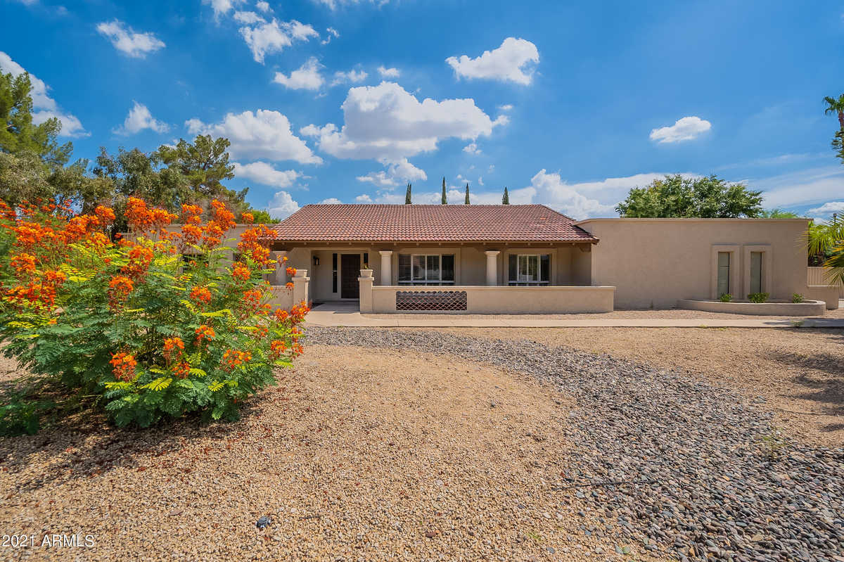 $779,000 - 5Br/6Ba - Home for Sale in Longhorn Ranch Unit 2, Glendale