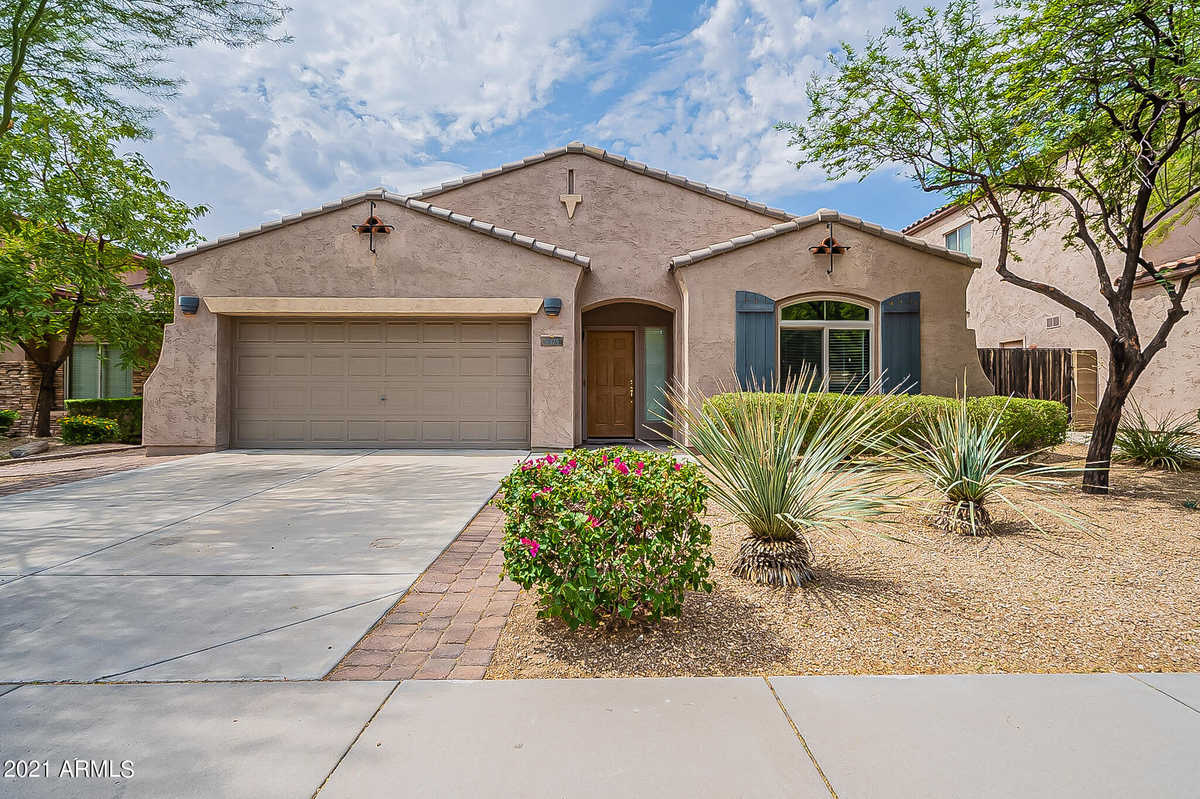 $489,900 - 3Br/2Ba - Home for Sale in West Wing Mountain Parcel 11, Peoria