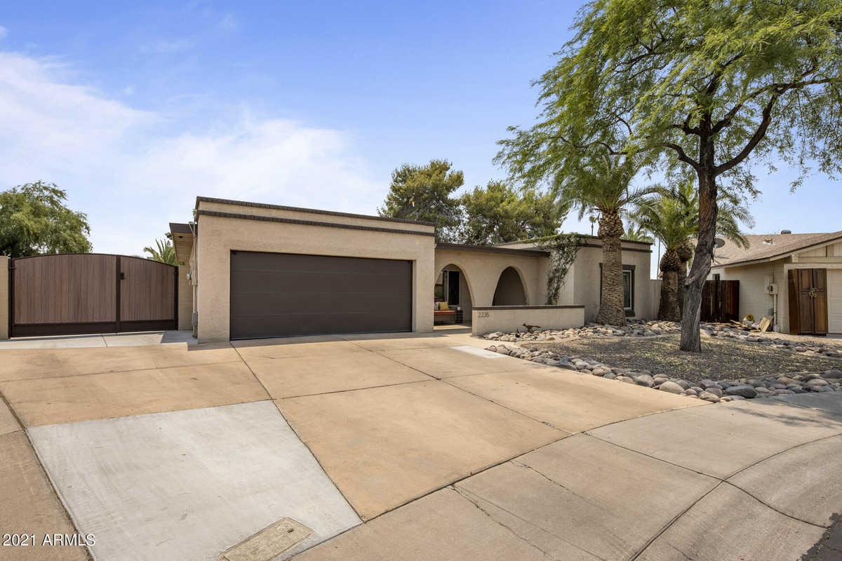 $519,900 - 4Br/2Ba - Home for Sale in Saratoga Lakes, Mesa