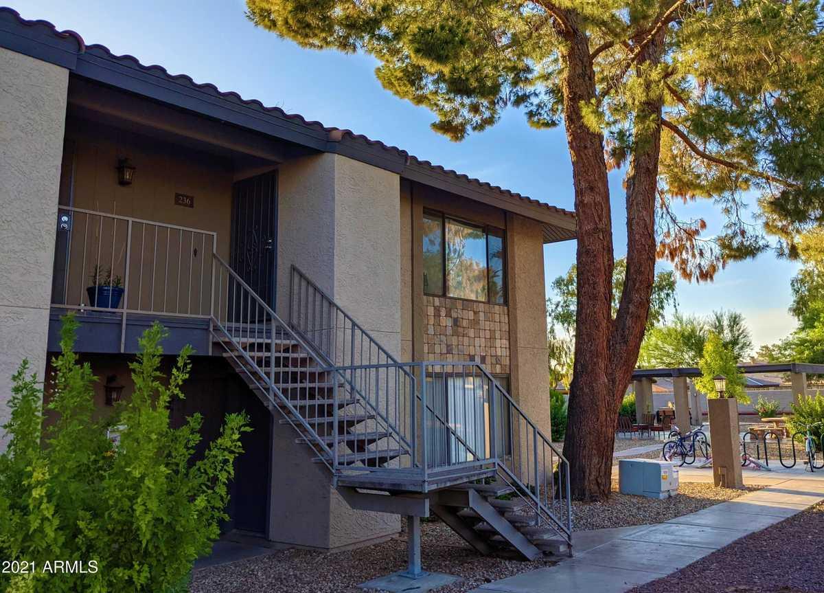 $249,000 - 2Br/2Ba -  for Sale in La Tierra Condominiums, Tempe