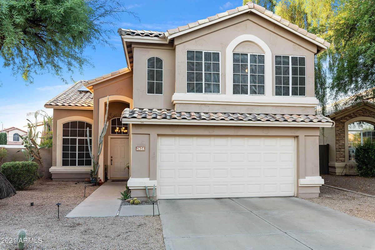 $494,900 - 4Br/3Ba - Home for Sale in Hillcrest Ranch Parcel D, Glendale
