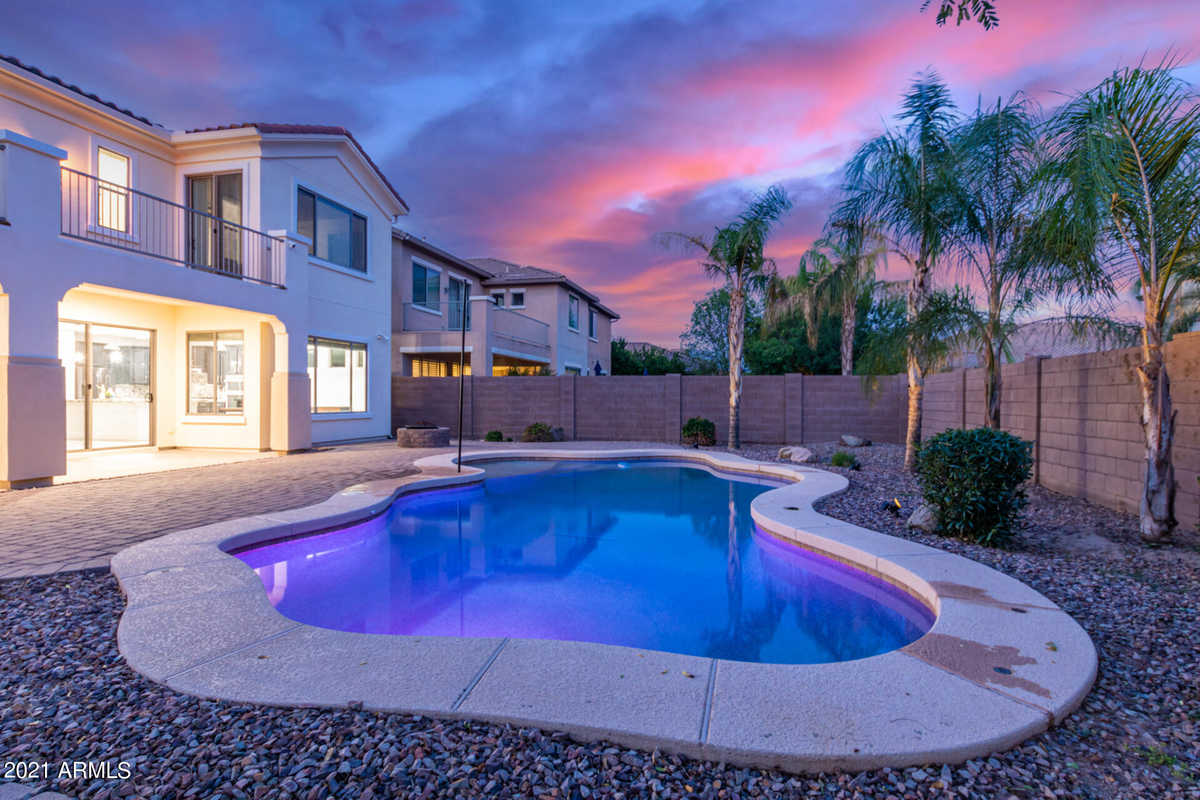 $825,000 - 5Br/4Ba - Home for Sale in Freeman Farms Phase 2 Parcel 1, Gilbert