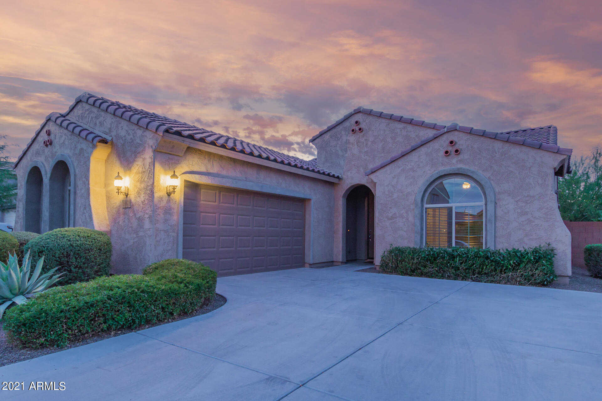 $375,000 - 2Br/2Ba - Home for Sale in Festival Foothills Phase 1, Buckeye