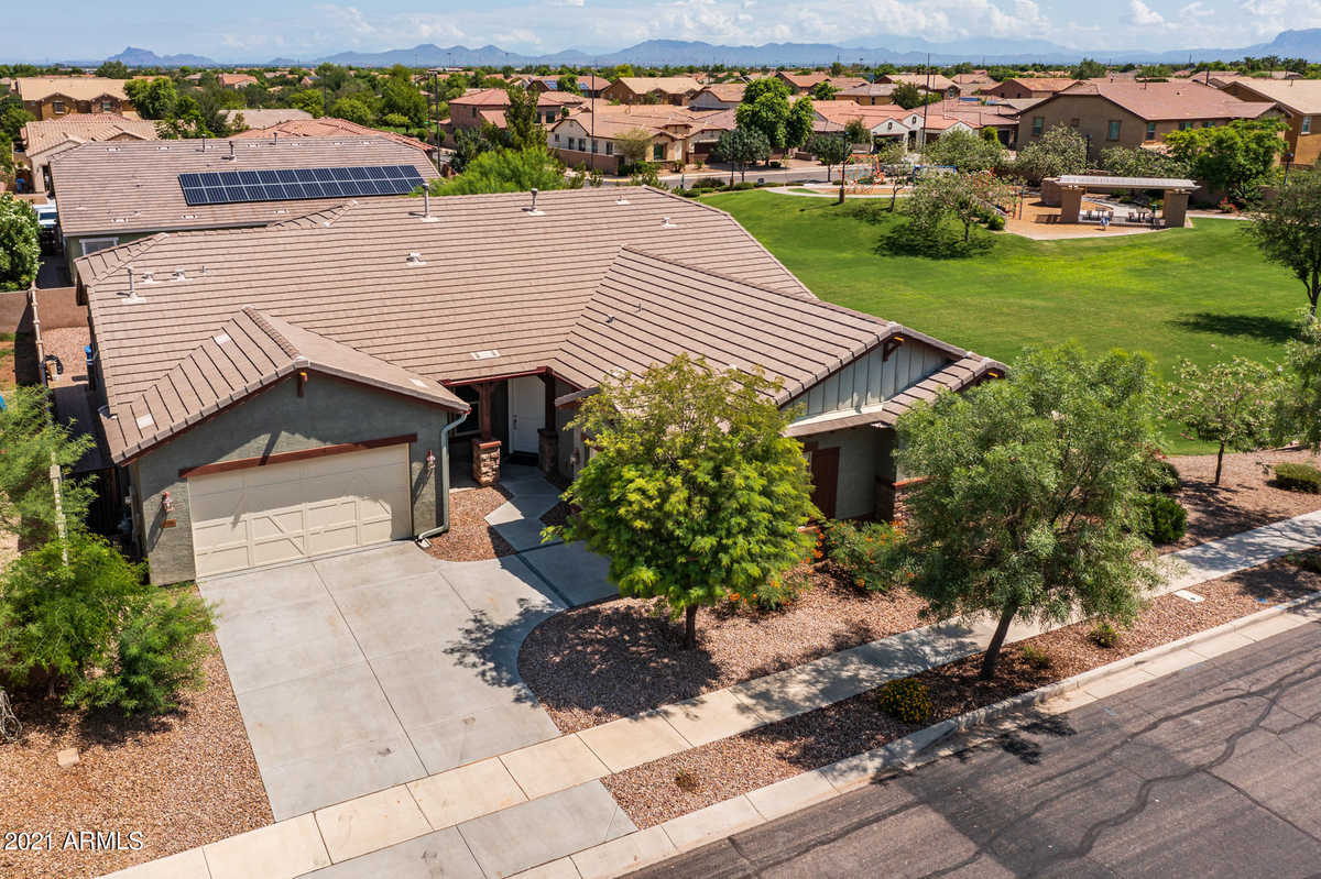 $725,000 - 4Br/3Ba - Home for Sale in Lyons Gate Phase 6, Gilbert