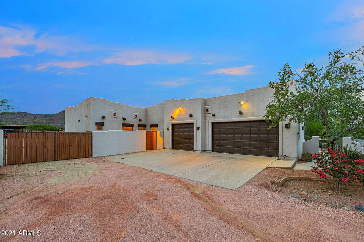 $874,000 - 5Br/3Ba - Home for Sale in E 145f Of S2 Nw4 Nw4 Se4 Sec 10 Ex S 25f Rd, Peoria