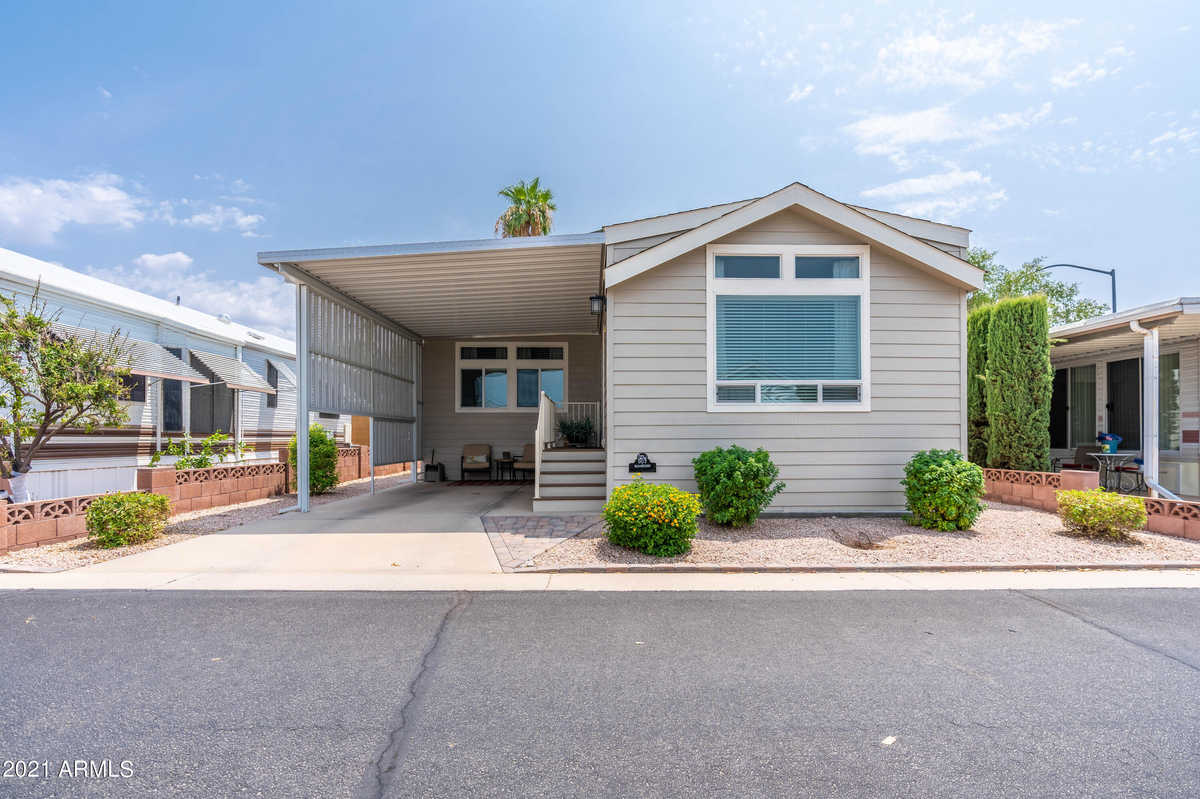 $205,000 - 1Br/2Ba -  for Sale in Carriage Manor Rv Resort Unit 2, Mesa